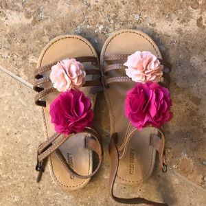 Old Navy little girl sandals size 11
